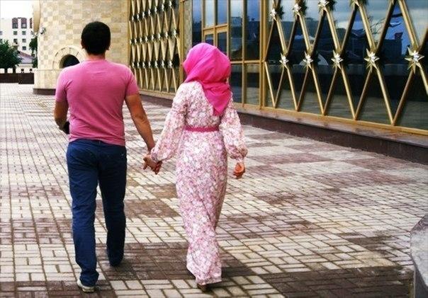 Как должен относиться муж к жене