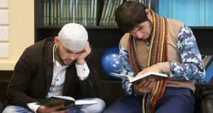 Коран в кармане: где и как учат на имама