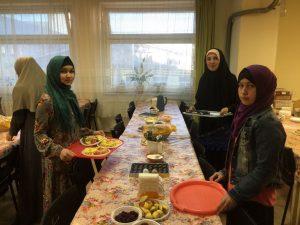 Сестры общины мусульман Рисалят