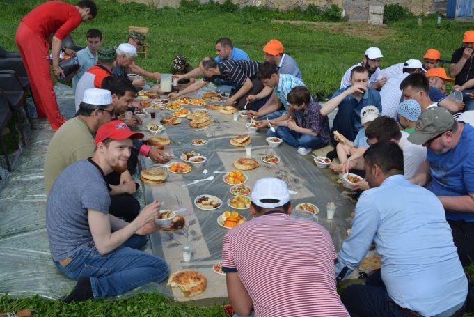 Пикник общины мусульман