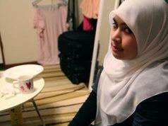 Мусульманка-инвалид по слуху поражает своей целеустремленностью