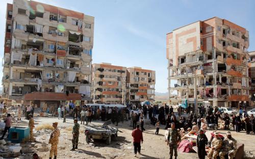 14 ноября в Иране объявили днем траура по жертвам землетрясения