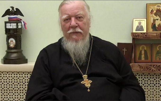 протоиерей Димитрий Смирнов в видеообращении, размещенном на его сайте, сердечно поблагодарил всех мусульман