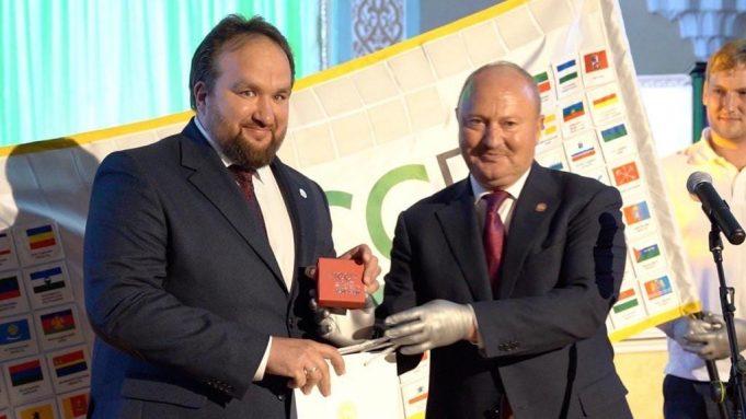 Представитель РТ в РФ вручил медаль ректору Московского Исламского Колледжа Теологии и Права