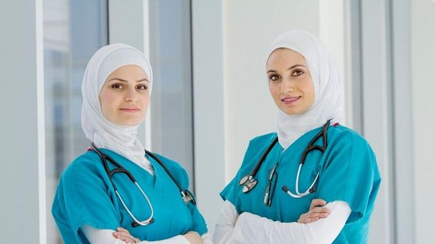 Омский медицинский колледж: хиджаб носить можно, только белый