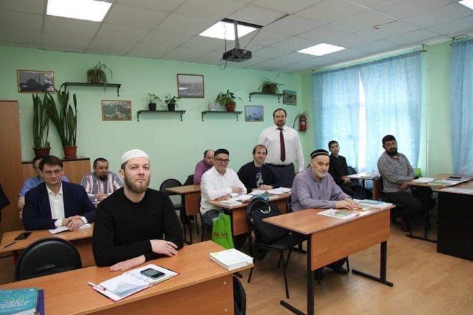 1 сентября с днем знаний поздравил ректор МИКТиП