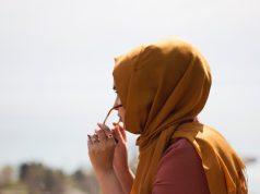 Запрет на ношение хиджаба для учителей признан незаконным