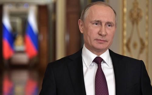 Путин поддержал идею закона о защите чувств верующих всего мира